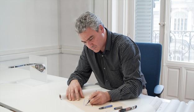 Luis Vidal en su estudio