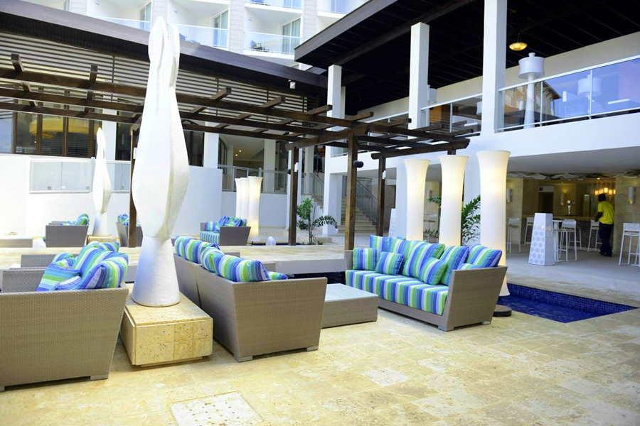 royalton white sands jamaica noken bathroom design
