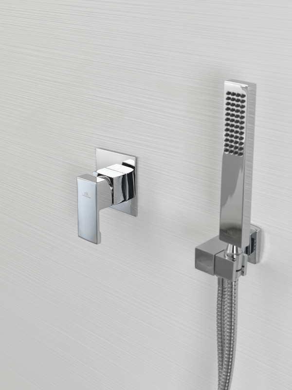 Noken in hotel royalton white sands jamaica for Jamaican bathroom designs