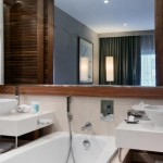Noken-in-Hilton-Hotels-bathroom-equipment-Porcelanosa-baños-
