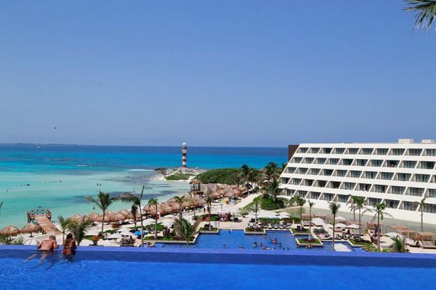 Noken-banos-Hotel-Hyatt-Ziva-Cancun-Porcelanosa-01