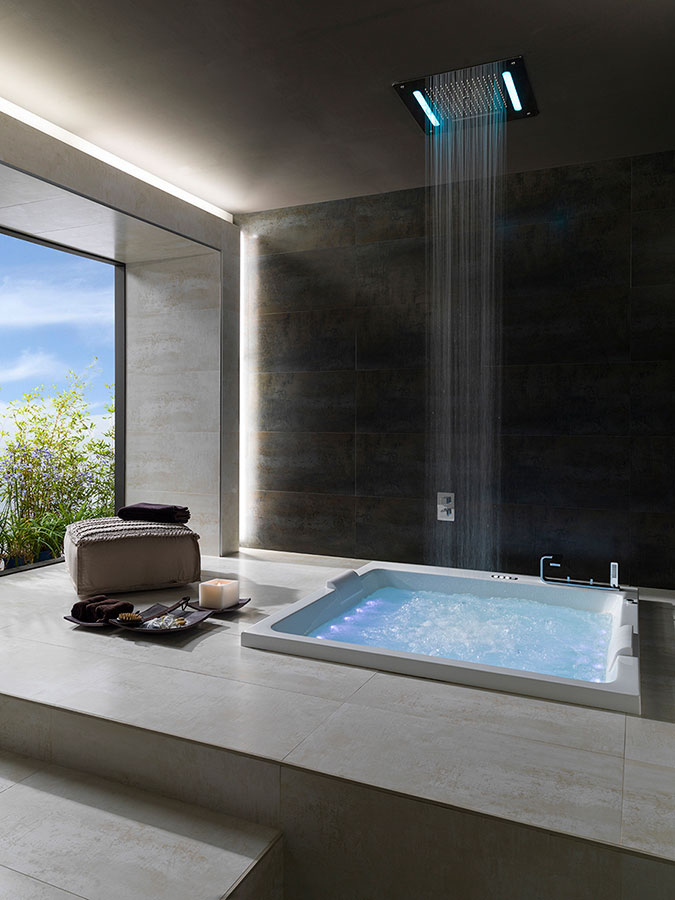 Whirltubs with features and shower heads: The perfect combination ...