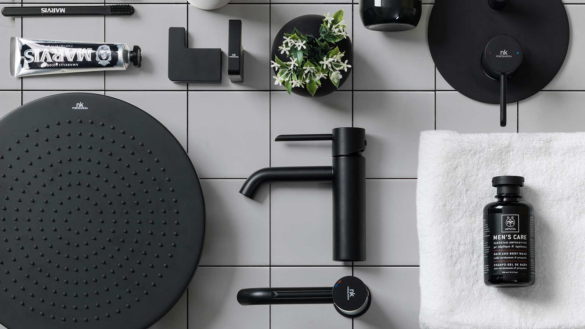 Grifer a y accesorios de ba o negro mate noken for Griferia para duchas de bano