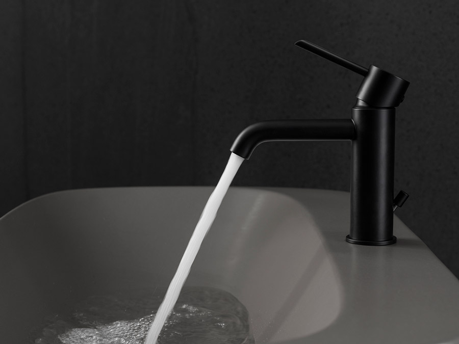 bathroom-tap-round-black-noken-porcelanosa-5